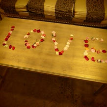 帰るとき、待合室に花弁のメッセージが。