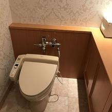 お手洗いの個室の広さ