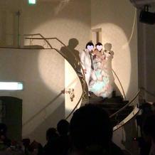 階段からの入場♪