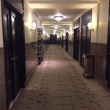 控え室までの廊下
