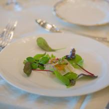 前菜。真鯛のカルパッチョ