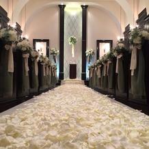 花びらの絨毯がすてきでした