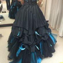 本番のカラードレス。付属の装飾あり
