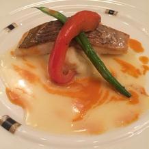 魚料理。ソースまでしっかり美味しい