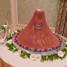 プロメテウス火山のウェディングケーキです
