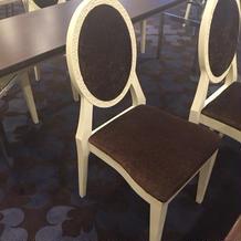 松風の間の椅子