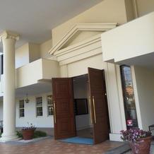 入り口は高級感のあるリゾートホテルのよう
