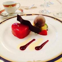 苺のパンナコッタとチョコレートアイス