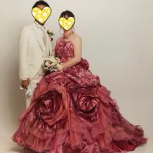 神田うのさんモデルのドレス