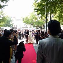 挙式を日本大通りでしました