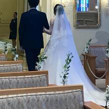 花嫁後ろ姿