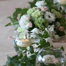 食事会会場のテーブル装花