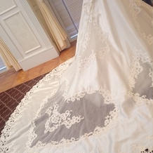 神田うのデザインのドレス