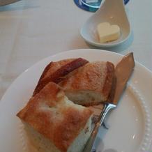 パン(ハート型のバターが可愛い!)