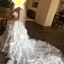 新婦のウェディングドレス