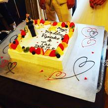ウェディングケーキも可愛くできてた!