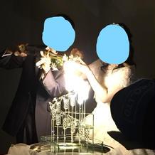 写真写りが良いよう明るめの発光液体で。