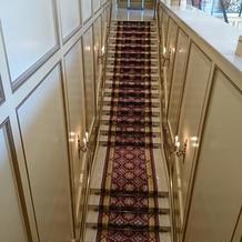 直線の階段です