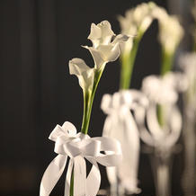 挙式場通路横の花