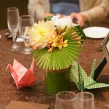 ④ゲスト卓の装花