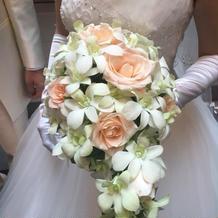 お花も式場の花屋さんを使いました