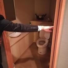 控え室近くの新婦専用トイレ