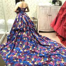 こちらも人気の蜷川実花さんドレスです。