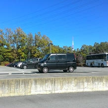 広い駐輪場。大型バスも入れます。