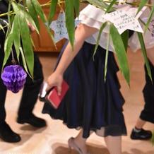 七夕にちなんで笹の葉に短冊を飾りました
