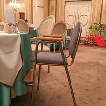 子ども用椅子、おもちゃ