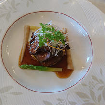 お肉料理:ローストビーフです。