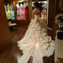 プリンセスラインのドレスです。