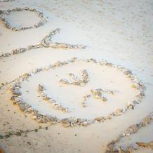 砂浜にかわいい演出も