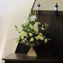 チャペルの装花