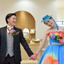 蜷川実花デザインのカラードレス