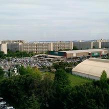 近くにはホームセンター等大型店舗が多い