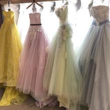毎回着たいドレスを4~5着は着れてます。