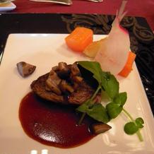肉料理は牛フィレ肉でした