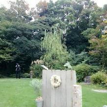 ガーデン式の署名台