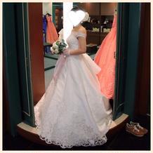 手袋とドレスの確認