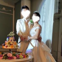 ウェディング ケーキは少し小さめでした
