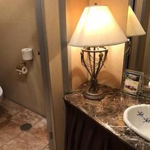 おトイレも雰囲気素敵!数は少ないかな?