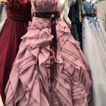 吉川ひなのデザインのドレス