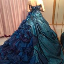 最後まで悩んだカラードレス