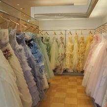 色ドレス3