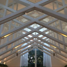 天井の高い広々としたチャペルです。