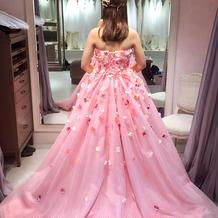 実際に来たカラードレスです。