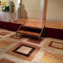 床はマットが敷かれてあり、歩きやすい。
