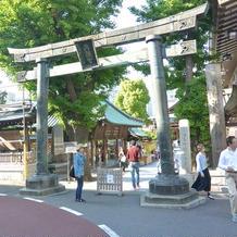銅製で東京都指定重要文化財となっています