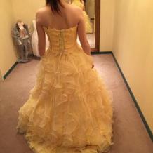 薄黄ドレス
